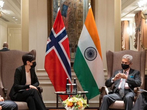 External Affairs Minister S Jaishankar with Norwegian Foreign Minister Ine Eriksen Soereide. (Twitter)