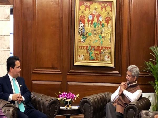 EAM S Jaishankar with New Zealand's Leader of Opposition Simon Bridges in New Delhi on Monday. (Photo Credits: Jaishankar Twitter)