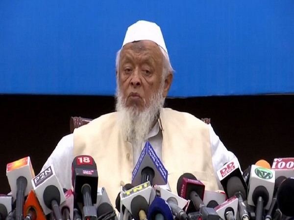 Jamiat Ulama-e-Hind president Arshad Madani speaking at a press conference in New Delhi on Wednesday. Photo/ANI