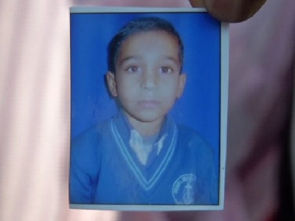 The deceased, Sumit Kumar, was run over by a truck on Monday.