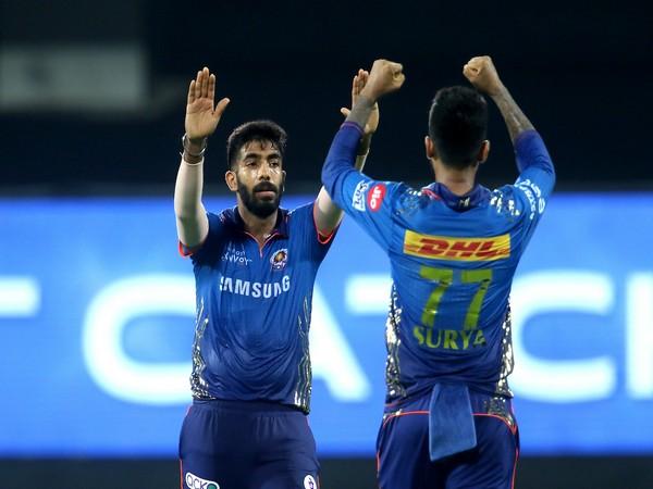 MI pacer Jasprit Bumrah with Suryakumar Yadav (Photo/ IPL Twitter)