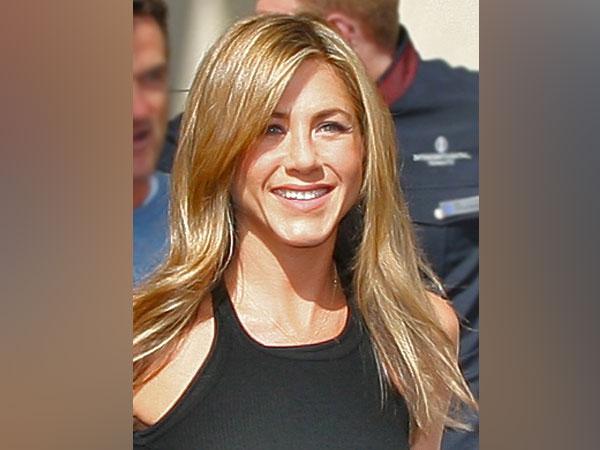 Actor Jennifer Aniston