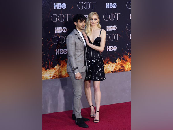 """Sophie Turner and Joe Jonas at the premiere of the final season of """"Game of Thrones"""""""