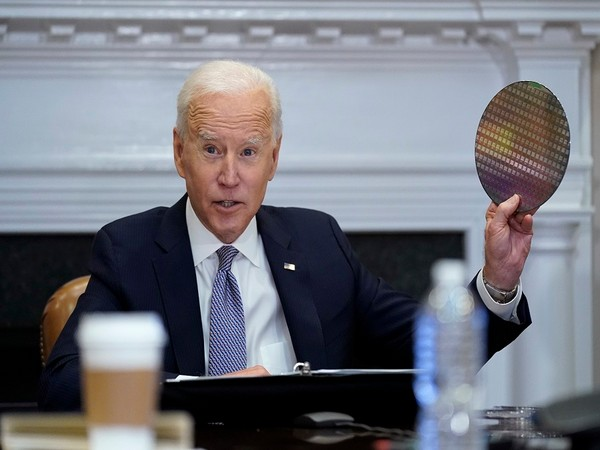 US President Biden takes Silicon Wafer to Semiconductor Conference. (Photo Credit -Newsis)