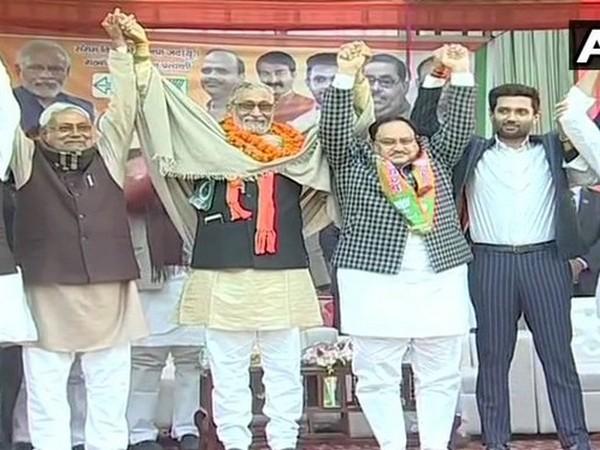 (Left to Right) JDU leader Nitish Kumar, BJP-JDU alliance candidate Dr Shivcharan Lal Gupta, BJP leader JP Nadda and LJP's Chirag Paswan.