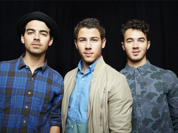 Jonas Brothers (L-R: Joe, Nick and Kevin Jonas)