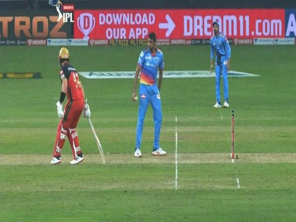 Ashwin gives warning to Aaron Finch. (Photo/ IPL Twitter)