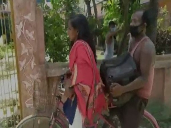 People on social media have shown lot of support to Jyoti and compared her to the character of Shravan Kumar from the epic Ramayana. Photo/ANI
