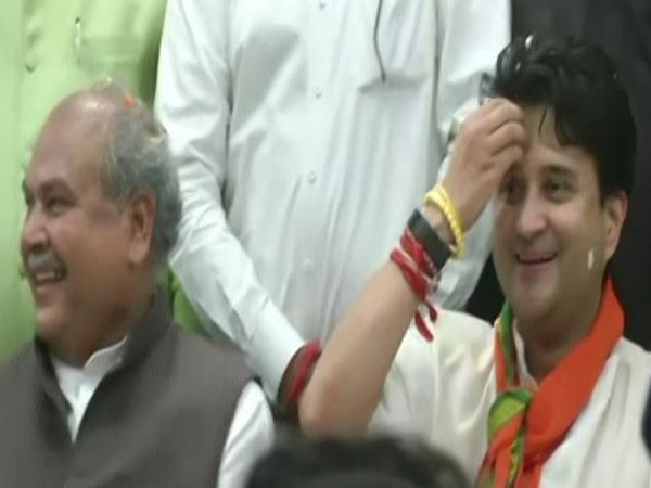 Jyotiraditya Scindia with Union Agriculture Minister Narendra Singh Tomar at the BJP party office in Bhopal. Photo/ANI
