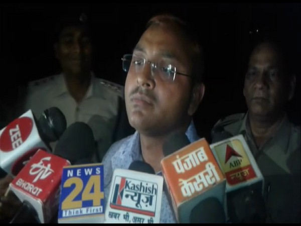 SDM K.K. Upadhyay speaking to media after the incident in Buxar