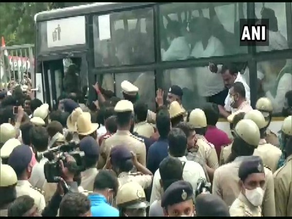 Congress leaders DK Shivkumar, Siddaramaiah and other party leaders detained in Bengaluru amid protest against new farm laws. (Photo/ANI)