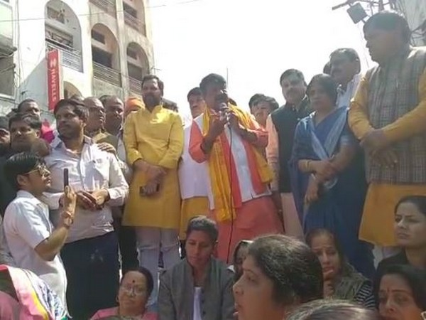 BJP leader Kailash Vijayvargiya addressing a gathering in Ujjain on Monday. Photo/ANI
