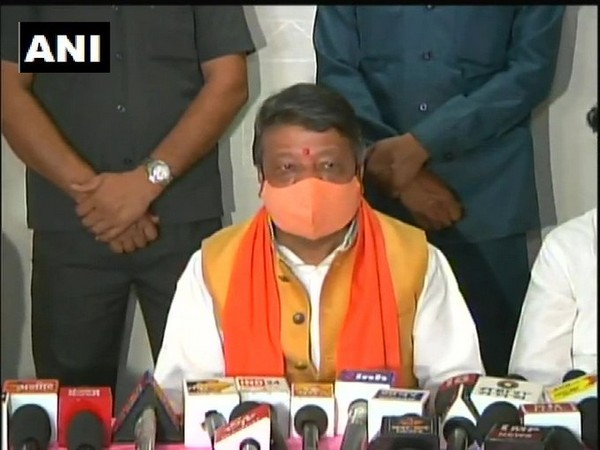 BJP leader Kailash Vijayvargiya speaking at a press conference in Indore on Sunday. Photo/ANI