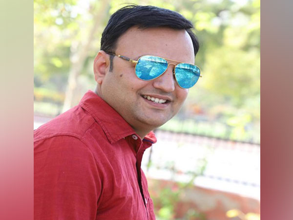 """Kailash Rajurohit author of the best seller novel """"My 2nd Girlfriend"""""""