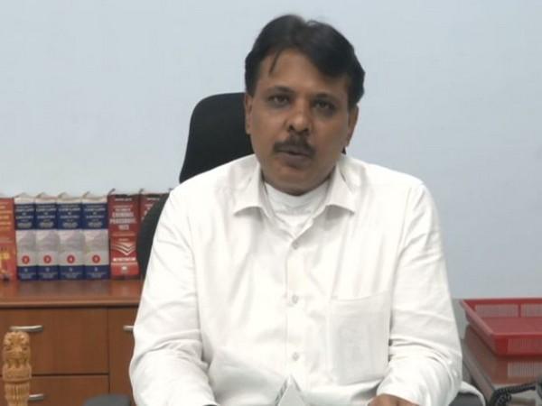 Kalaburagi Deputy Commissioner Sharath B speaking to media on Wednesday. Photo/ANI