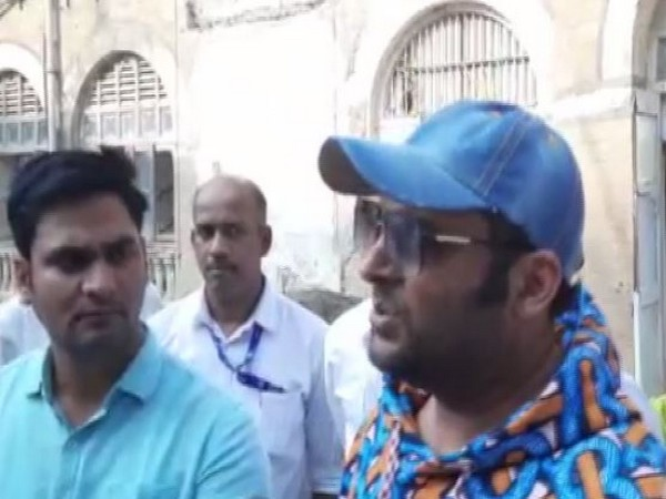 Comedian Kapil Sharma on Thursday recorded his statement as a witness in a complaint filed against car designer Dilip Chhabria for alleged cheating and forgery case.