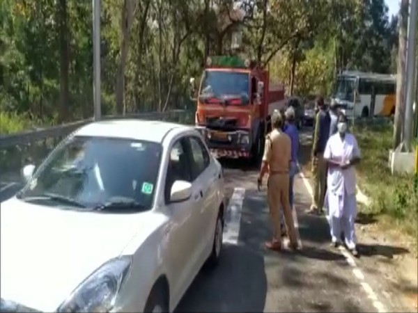 Mobile teams scanning Vehicles passing through Kerala border districts
