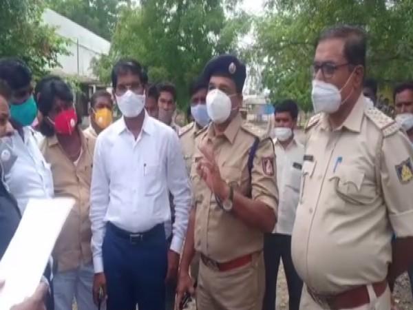 Visual of police investigating the case in Vijayapura. (Photo/ANI)