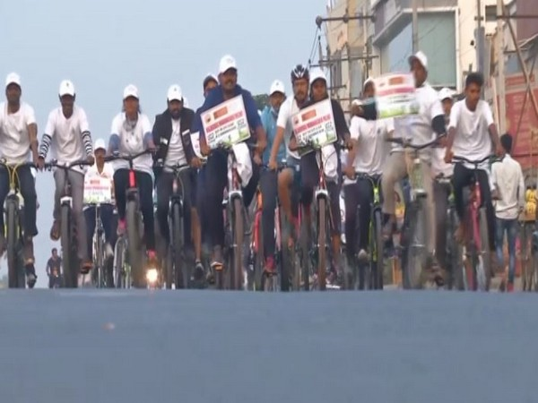 The cyclothon is organised every year by the IOC in Kalaburagi to promote 'clean and green energy'. Photo/ANI