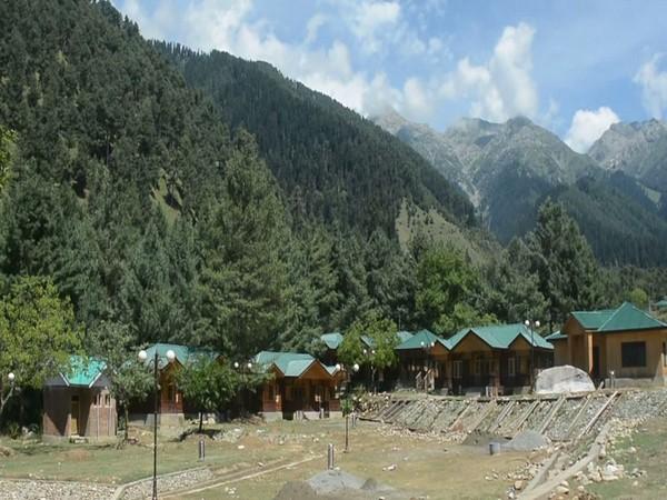 Govt constructs new infrastructure under PMDP scheme to promote tourism in Kashmir. Photo/ANI