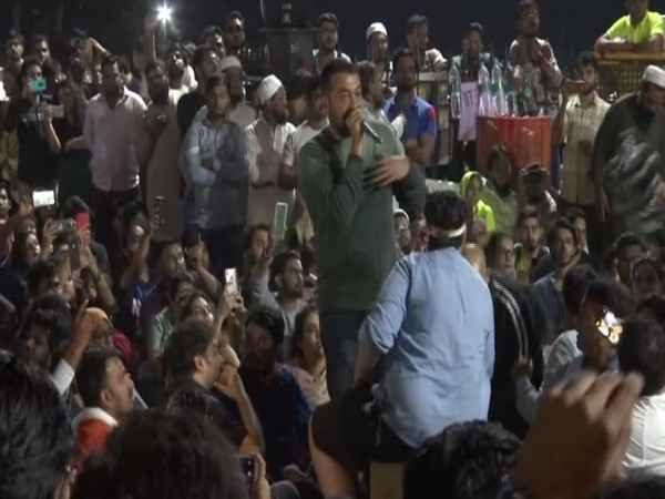Anurag Kashyap speaking at the Gateway of India amid protesters in Mumbai on Monday. Photo/ANI