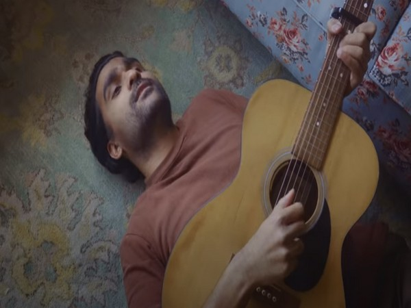 A still from the video of Prateek Kuhad's latest song 'Kasoor' (Image Source: YouTube)