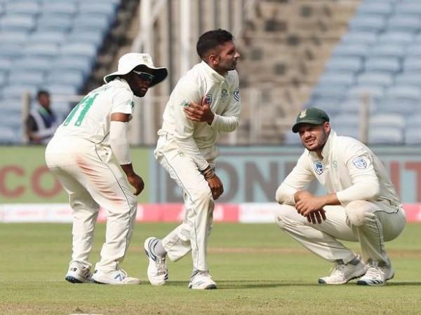 South Africa's Keshav Maharaj (centre) (Photo/ Cricket South Africa Twitter)