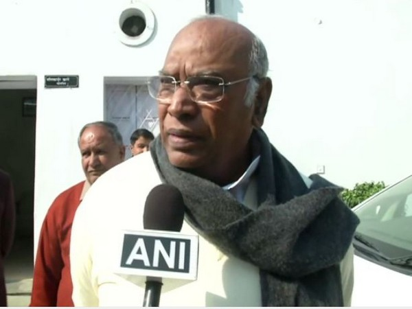Congress leader Mallikarjun Kharge speaking to ANI on Delhi Assembly elections results in New Delhi on Tuesday. Photo/ANI