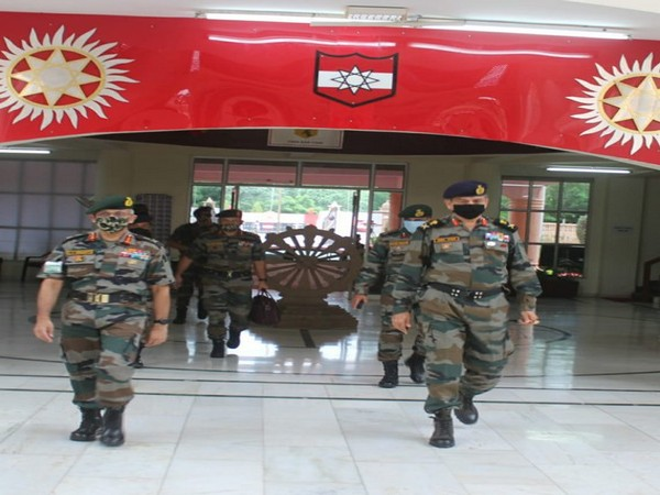 Lt Gen CP Mohanty reviewed operational readiness (Photo tweeted by PRO Defence, Jaipur)