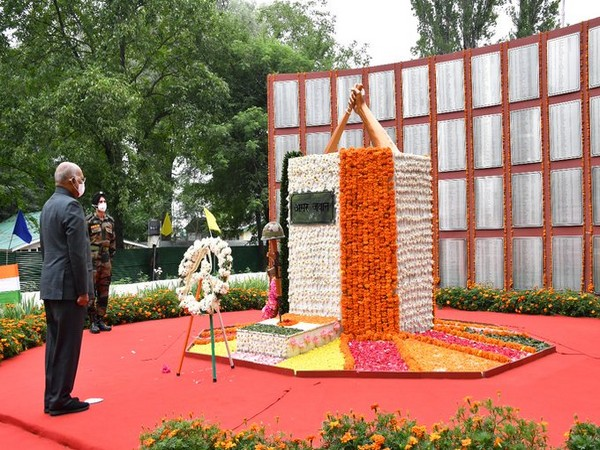 President Ram Nath Kovind on Monday paid tributes to soldiers who sacrificed their lives in defending the nation (Photo/Rashtrapati Bhavan)
