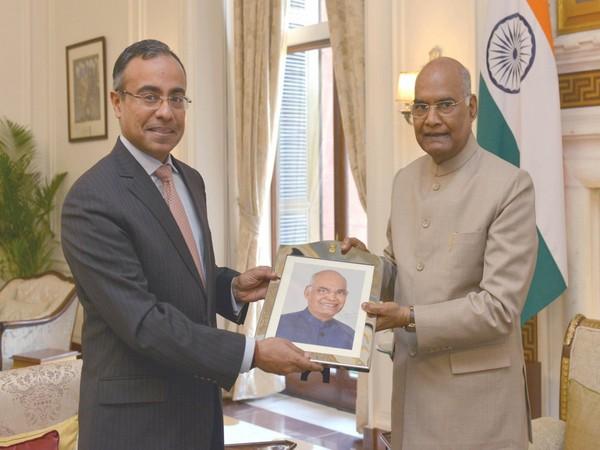 India's Ambassador to Israel Sanjeev Kumar Singla with President Ram Nath Kovind at Rashtrapati Bhavan (Picture Credit: President of India/Twitter)