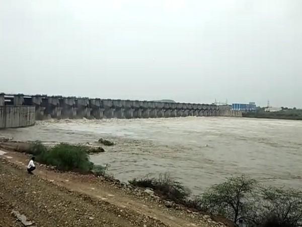 Visual of Krishna River in Munugodu Lanka area on Monday. Photo/ANI