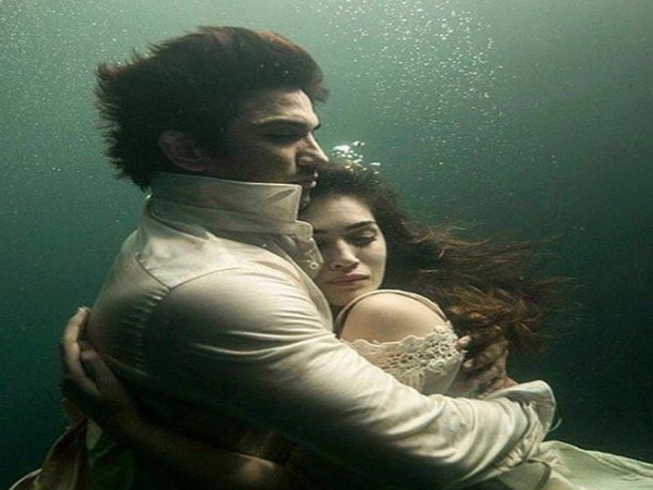 A still from the movie 'Raabta' featuring actor Kriti Sanon and late star Sushant Singh Rajput (Image source: Instagram)