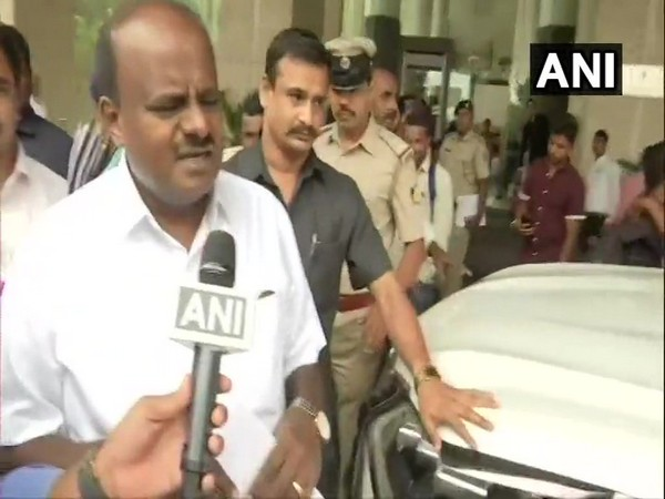Karnataka Chief Minister HD Kumaraswamy while speakng to media persons in Bengaluru, Karnataka on Tuesday. Photo/ANI