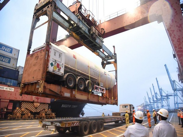 A Kuwaiti ship arrived at Nhava Sheva Mumbai on Saturday, carrying three semi-trailers of LMO (25 MT each) and 1000 O2 cylinders onboard.