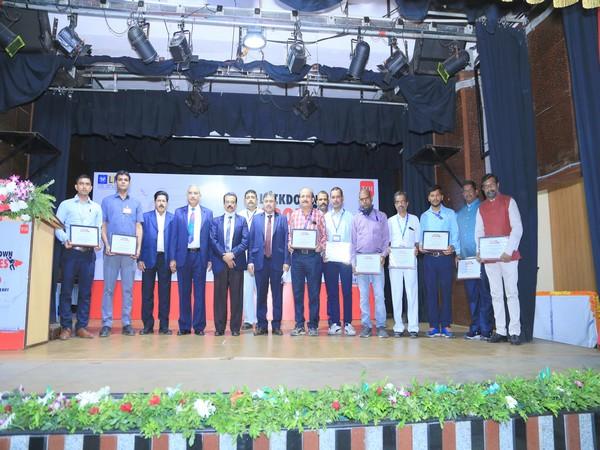 LIC felicitates motormen of Central Railway Mumbai