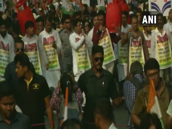 Protest organised by TMC against hike in LPG fare in Kolkata, West Bengal on Tuesday. Photo/ANI