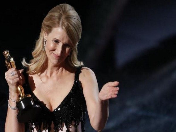 Actor Laura Dern accepting the Best Supporting Female Actor Award in the 92nd annual Oscars