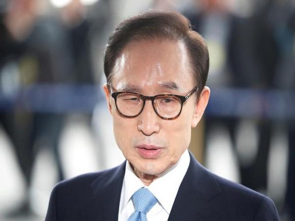 Former South Korean president Lee Myung-bak (file photo)