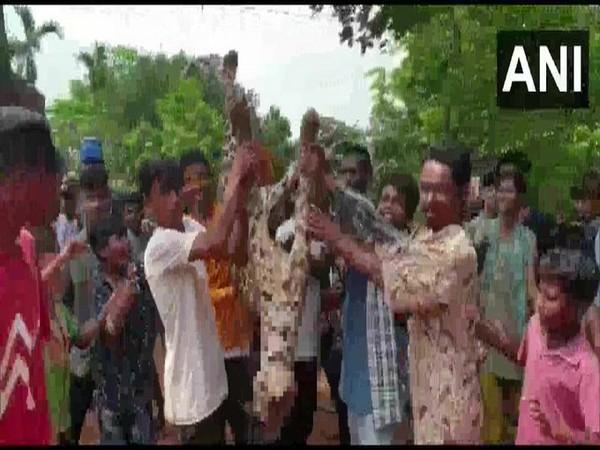 A leopard was beaten to death by locals in Katahbari area of Gorchuk on Sunday.