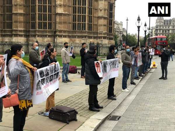 On the International Day of the Victims of Enforced Disappearances, the Sindhi Baloch Forum held a protest against the Pakistan government in front of the UK Parliament yesterday.