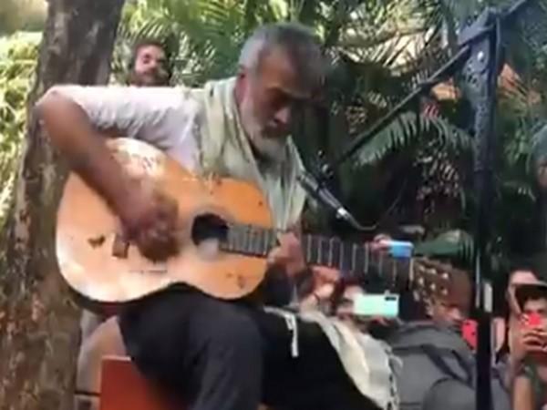 Singer-songwriter Lucky Ali performs in Goa's Arambol (Source: Twitter)