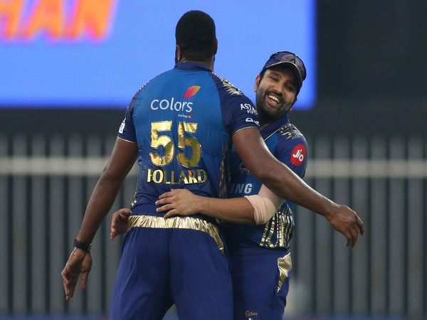 Rohit Sharma with Kieron Pollard (Photo/ iplt20.com)