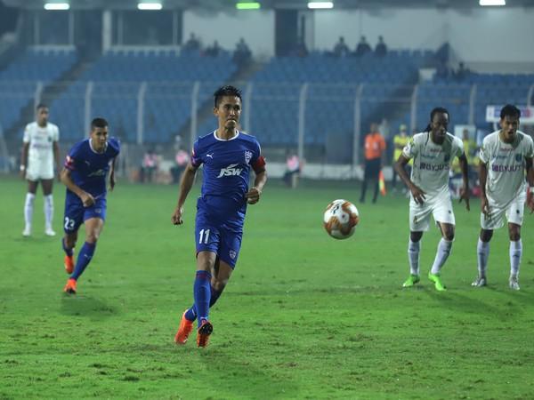 BFC's Sunil Chhetri missed a penalty but eventually scored against KBFC during ISL 7 match at the JL Nehru Stadium in Fatorda on Sunday. (Photo/ ISL)