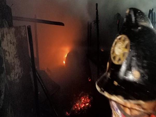 Fire breaks out in Saket slum area in Thane, Maharashtra. (Photo/ANI)