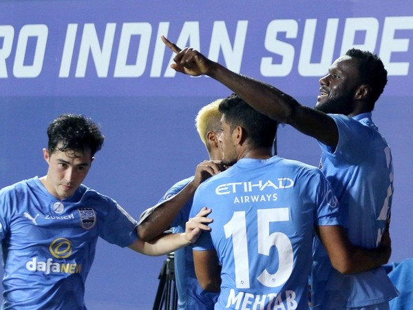 MCFC players celebrate their opening goal against SCEB (Image: ISL)