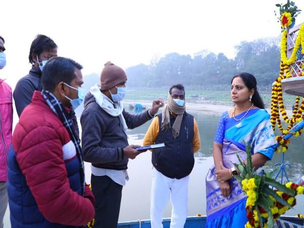 Visual of TRS leader Kalvakuntla Kavitha near Assi Ghat (Photo/Twitter)