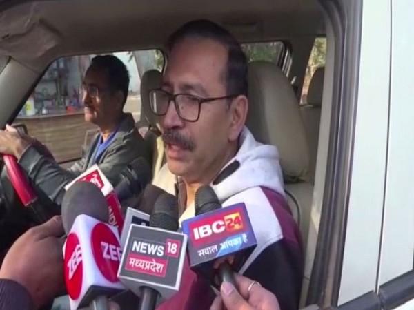 Hoshangabad SP ML Chhari speaking to the media on Friday.