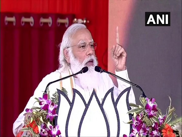 Prime Minister Narendra Modi addressing public meeting in Hooghly, West Bengal. (Photo/ANI)