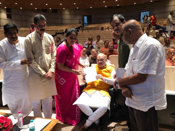 MP Shobha Karandlaje gave a letter of HM Amit Shah requesting his help in tracing VG Siddhartha. (Pic Courtsey: Twitter/ShobhaBJP